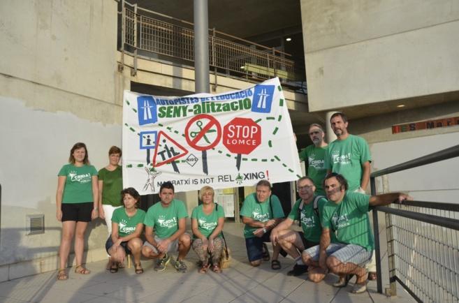 Docentes del IES Marratxí con camisetas verdes secundando la huelga.