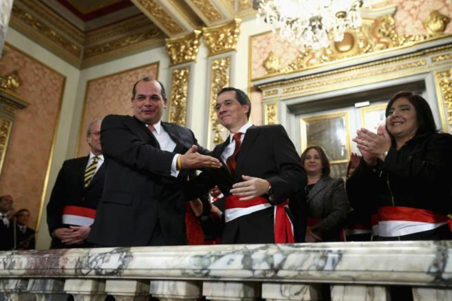 Luis Miguel Castilla y Alonso Segura durante el juramento del sucesor...
