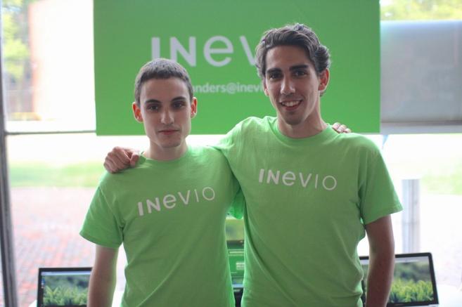 Los creadores de Inevio Javier Garmón y Roberto Gómez, durante el...