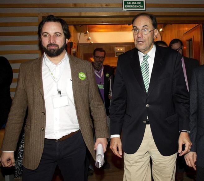 Santiago Abascal y Alejo Vidal-Quadras en una asamblea del partido.