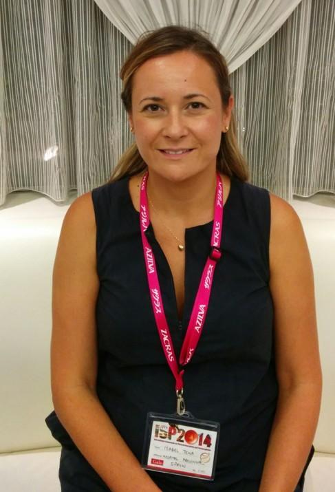 La oncóloga del Provincial de Castellón Isabel Tena, en el simposio...