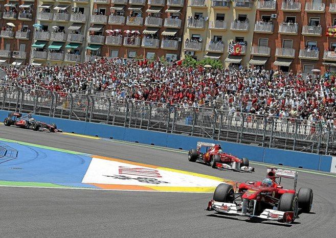 Los coches de las escuderías que participaron en el Gran Premio de...