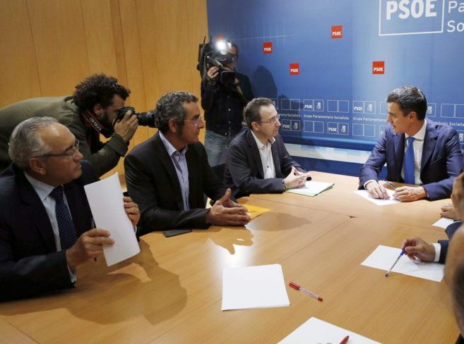 El secretario general del PSOE, Pedro Sánchez, durante una reunión...