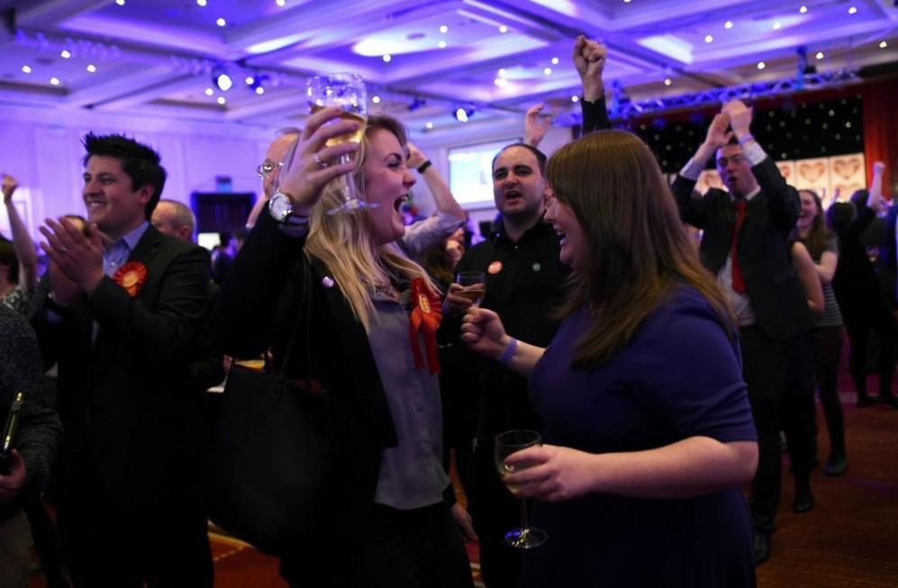 Partidarios del 'no' festejan la victoria en Glasgow (Escocia).