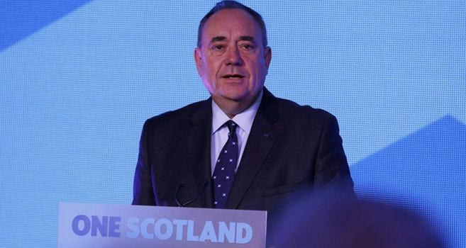 El principal ministro escocés, Alex Salmond, comparece tras conocerse...