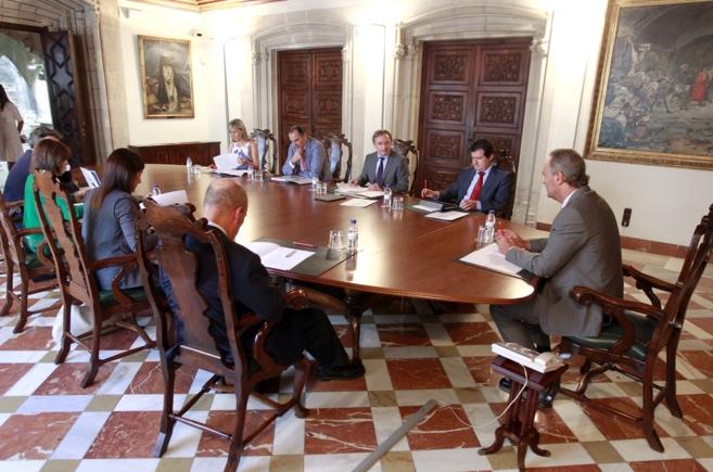 Alberto Fabra, reunido con sus consellers, prepara el debate del...