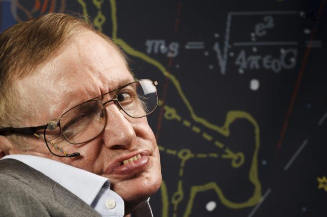 El astrofísico británico Stephen Hawking, durante su entrevista con...