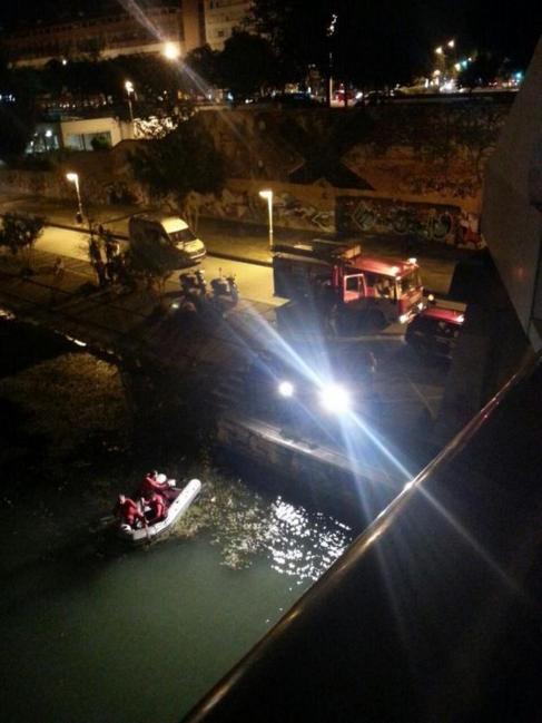 Foto de las labores de rescate publicada en Twitter por...