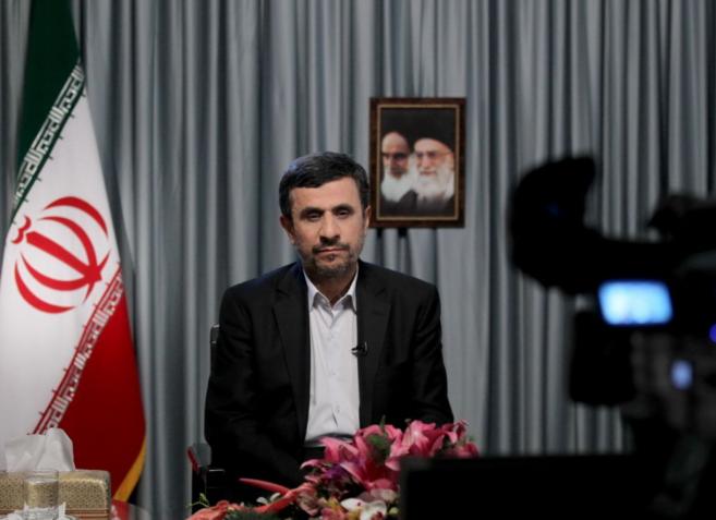 Mahmud Ahmadineyad, en Hispan TV en 2012.