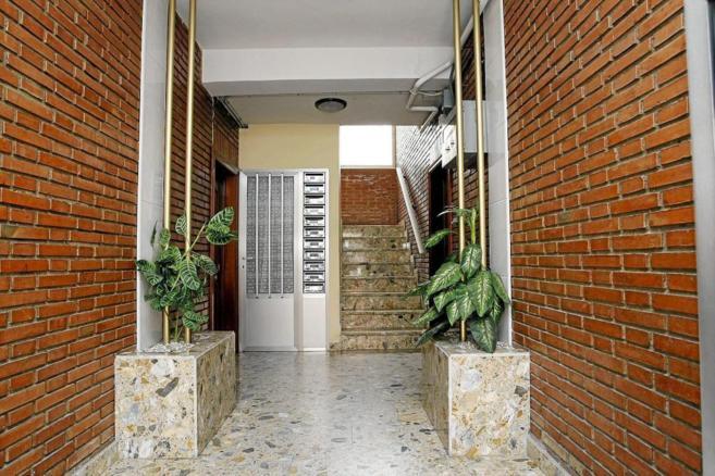 Imagen del portal de una vivienda antes de la instalación del...