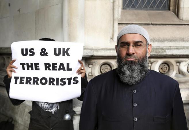 Anjem Choudary, durante una protesta en Londres.