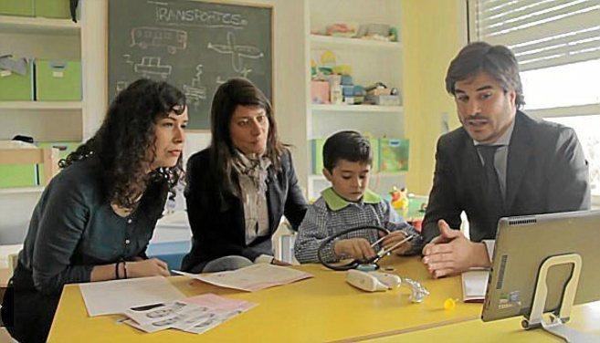 Demostración de Kidscare en una escuela madrileña.