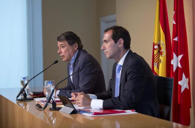 Salvador Victoria e Ignacio González durante una rueda de prensa.