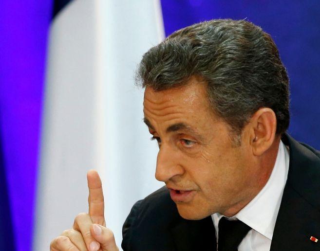 El ex presidente francés Nicolás Sarkozy en Lambersart, norte de...