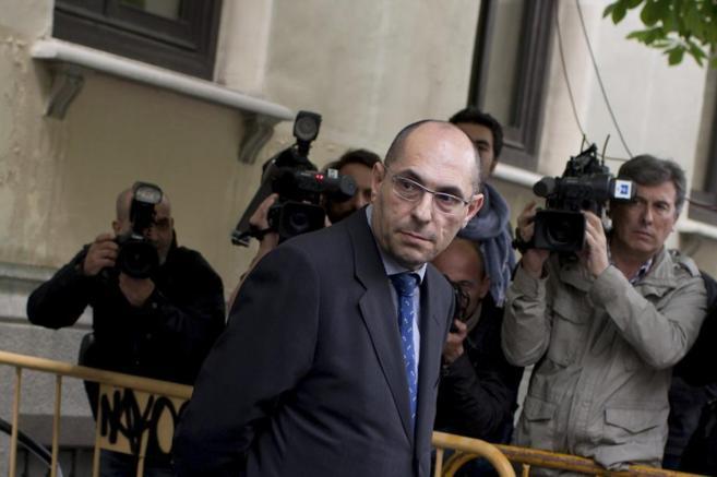 El juez Elpidio Silva a su salida del Tribunal Supremo en abril.