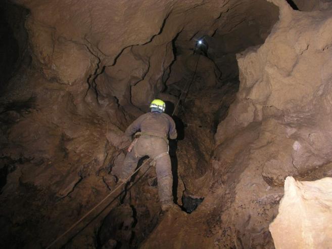 Labores de rescate del espeleólogo español Cecilio López Tercero.