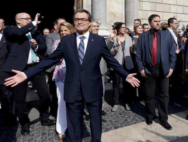 Después del discurso institucional, Artur Mas ha saludado a las...