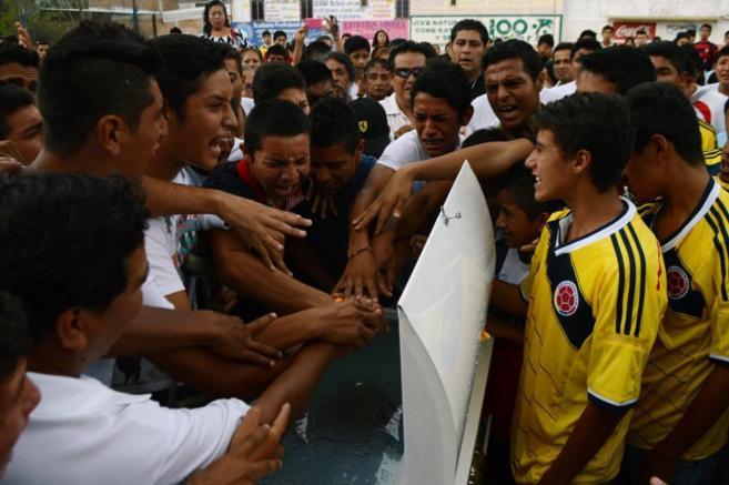 Funeral por un futbolista del Club Avispones muerto por varios...