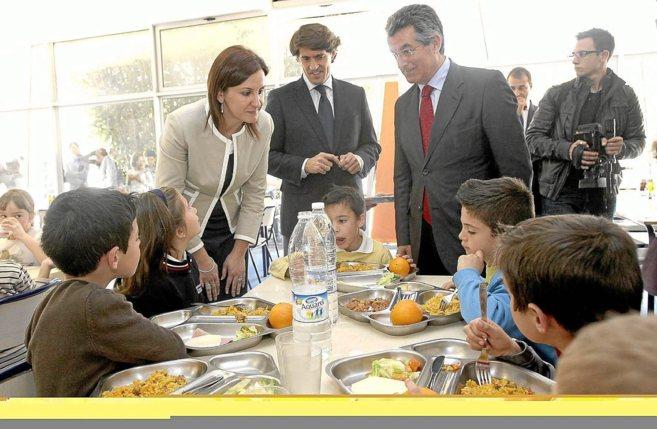 Los menús escolares, 10 euros más baratos que la media ...