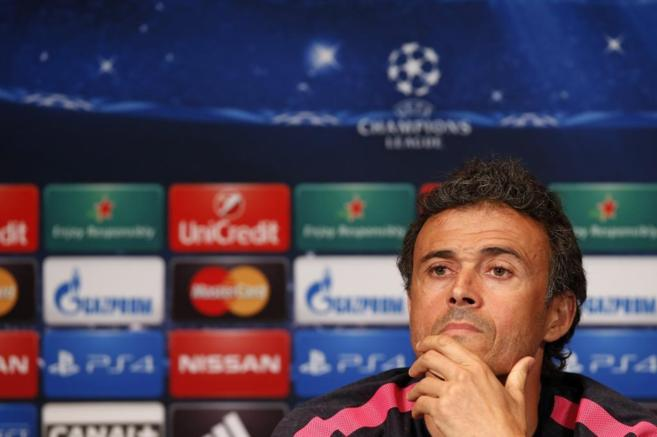 Luis Enrique atiende a la prensa en la previa al partido de Champions.