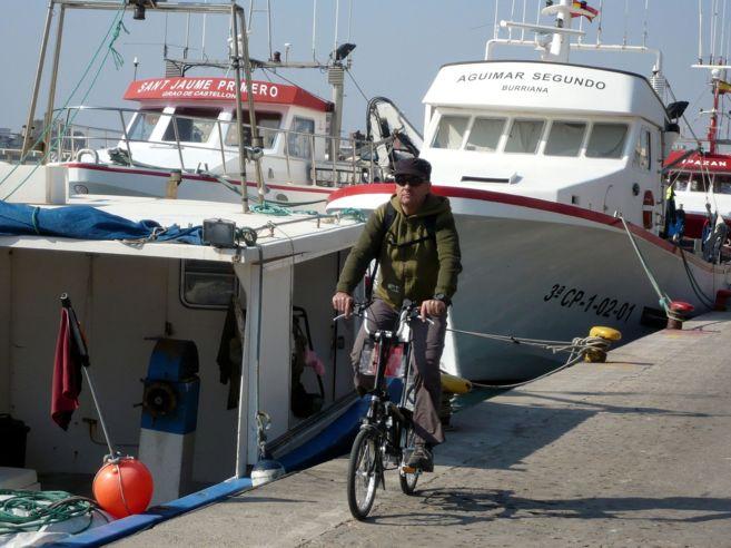 Al moll de pescadors del Grau de Castelló