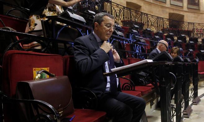 José Luis Bilbao en su escaño de las Juntas Generales de Gernika.