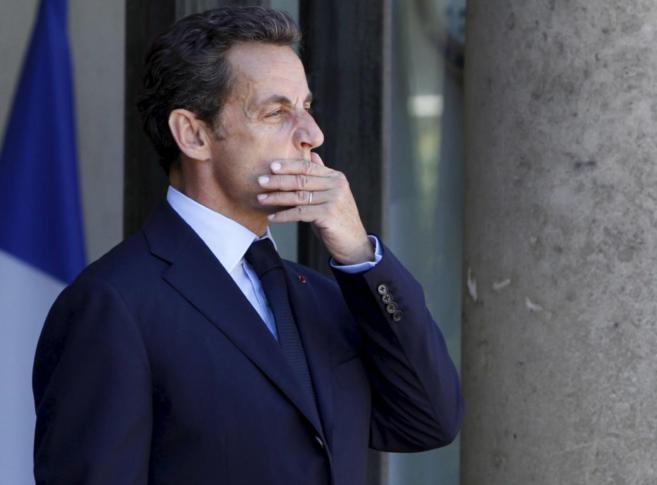 El ex presidente francés Nicolas Sarkozy, a las puertas del Elíseo...