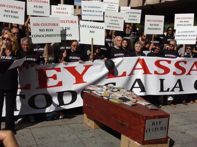 Un momento de la concentración contra la Ley Lassalle en Madrid