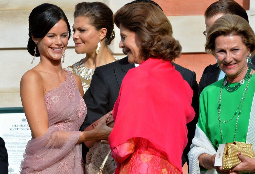 En agosto de 2013 asistió a la boda de Gustaf Victor Magnuson...