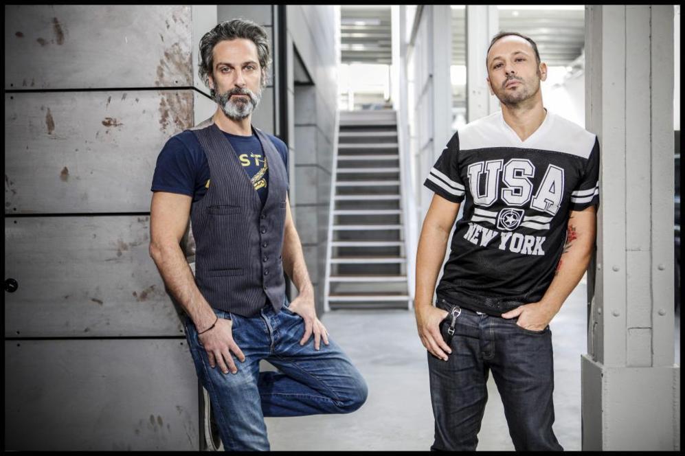 Ernesto Alterio (izquierda) y Chevi Muraday, en el Matadero donde hoy...