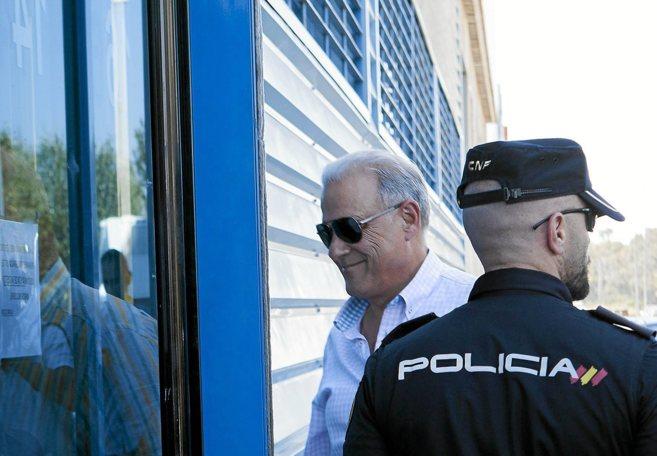 Ángel Ojeda, durante el registro de una de sus empresas.