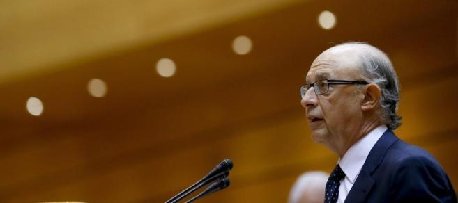 El ministro de Hacienda Cristóbal Montoro, en el Senado.