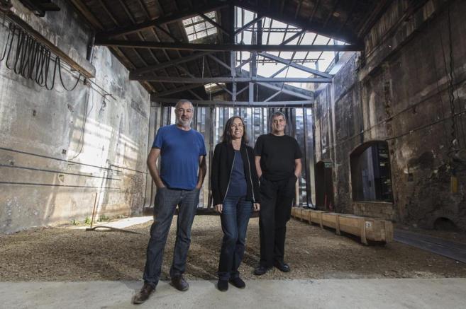 Ramon Vilalta, Carme Pigem y Rafael Aranda en su estudio, que ellos...