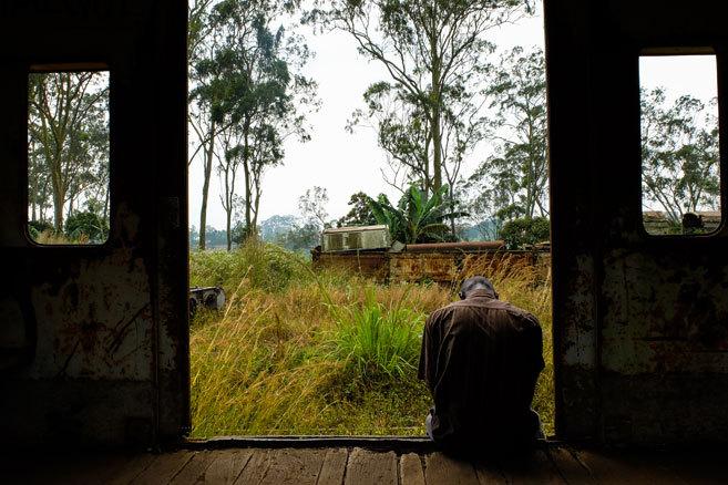 Un hombre afectado por el VIH en Mbanza-Ngungu, República...