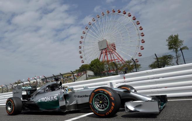 Lewis Hamilton, durante los libres del Gran Premio de Japón.