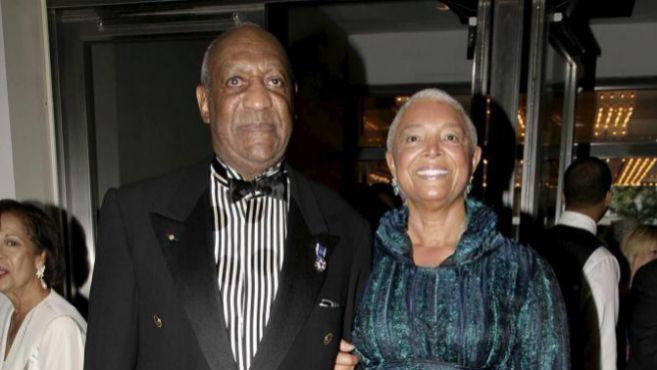 Bill Cosby y su mujer Camille, en el 75 aniversario del Teatro Apolo...