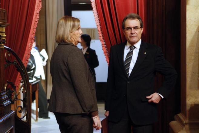 Artur Mas de camino al hemiciclo del Parlament.