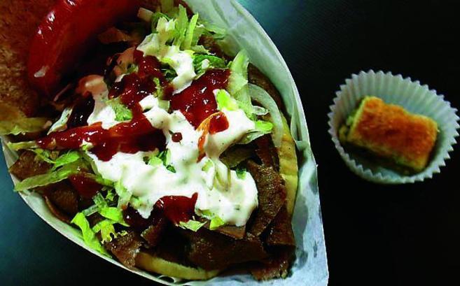 Imagen e un kebab.