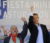 José Ángel Fernández Villa y José Luis Rodríguez Zapatero, en...