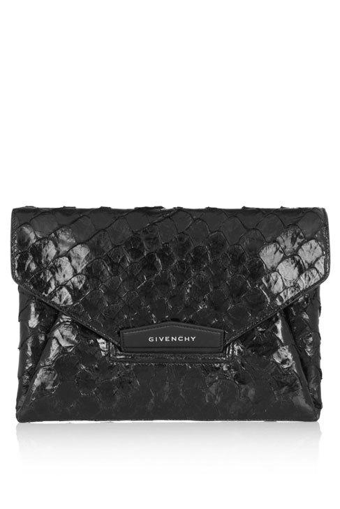Cartera (1.190 ¤), de Givenchy.