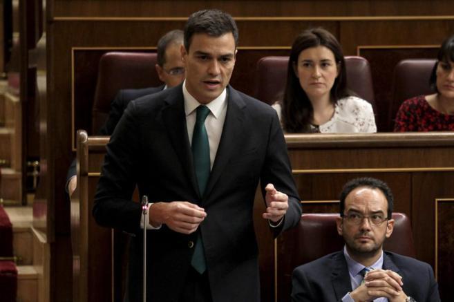 El secretario general del PSOE, Pedro Sánchez, en el Congreso, ayer