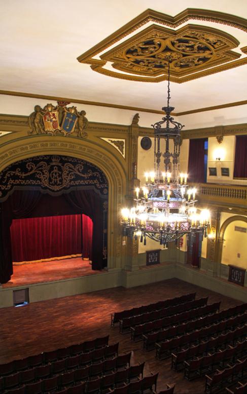 Interior del teatro Asturias.