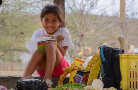 'Feliz', imagen de Gabriel Israel Cumbe, tercer premio del concurso 'Por ser niña'