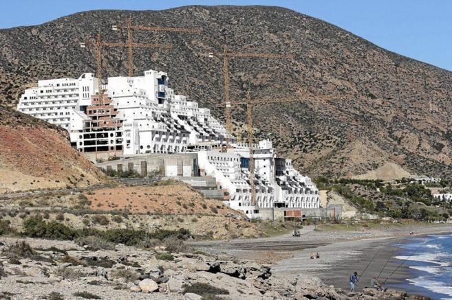 Obras del hotel del Algarrobico, en Almería.