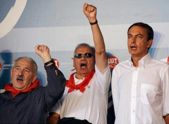 José Ángel Fernández Villa en la UGT, junto al expresidente...
