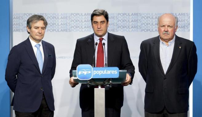 De izqda. a dcha., Ruben Moreno, José Ignacio Echániz y Jesús...