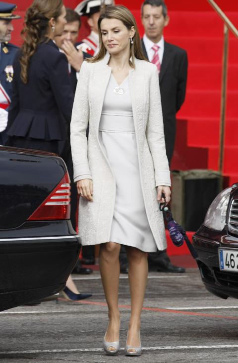 En 2008 la combinación elegida fue vestido y abrigo en color nude,...