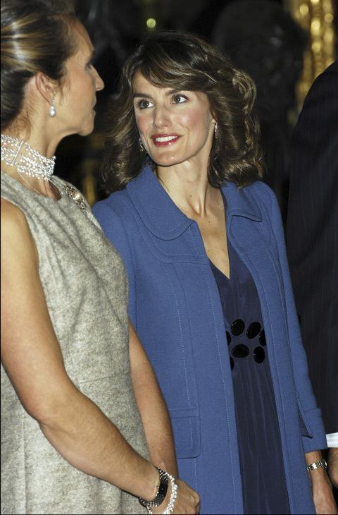 En 2007, la Princesa acudía con un peinado distinto y un conjunto de...