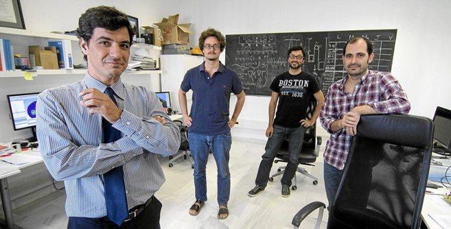 Pedro Fernández-Palacios, director general de Virtualmech, con su...