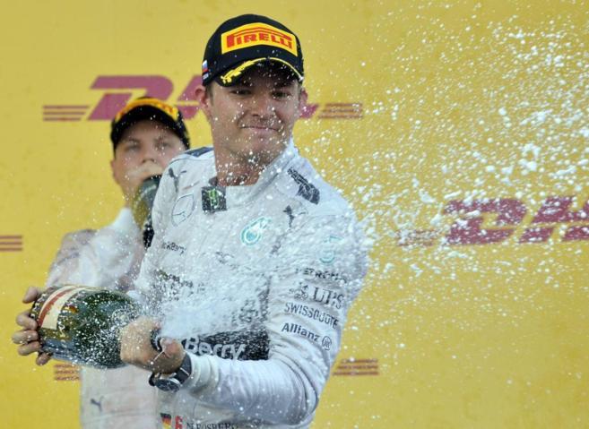 Rosberg, celebrando la segunda posición del Gran Premio de Rusia.